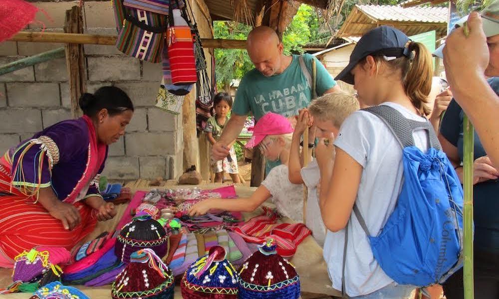 Palong village Shopping for souvenirs family trekking