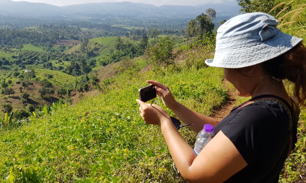 Taking pictures Chiang Dao view