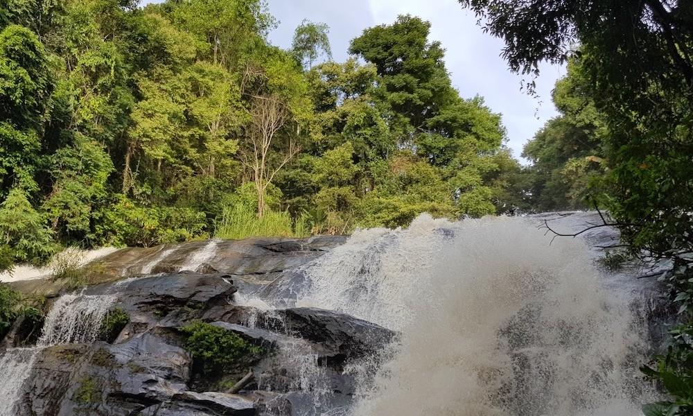 Doi Inthanon Pha Dok Siew waterfall