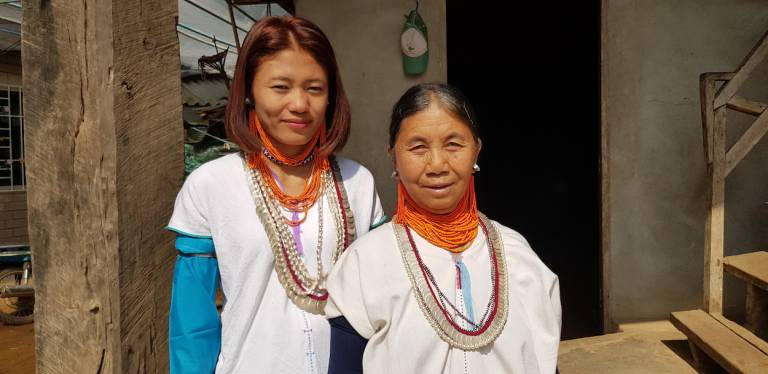 Young and old Lawa women in Ban Dong