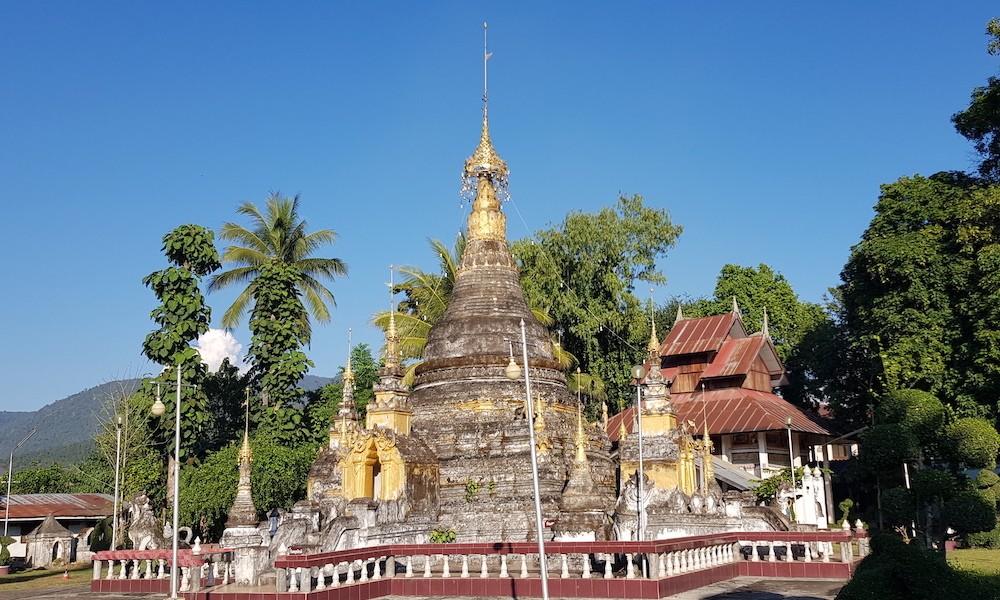 Chedis of Wat Sribunreuang Mae Sariang