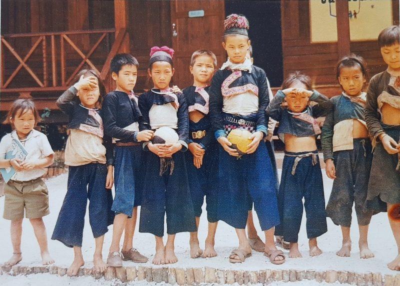 School children in traditional dress